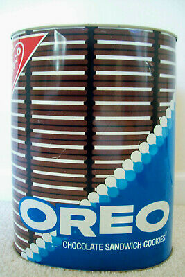 Vintage 1970s Oreos Oval-Shaped Metal Wastebasket by Cheinco