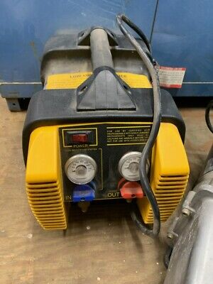 AC Refrigerant Recovery Machine, W/ Accu-Charge Scale, Gauges and Vacuum Pump