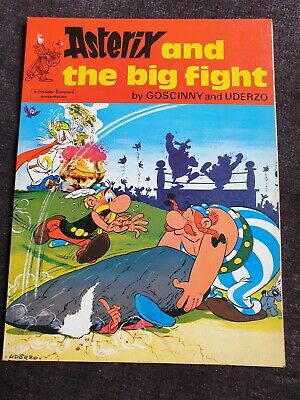 ASTERIX and the BIG FIGHT vintage comic book 1982?