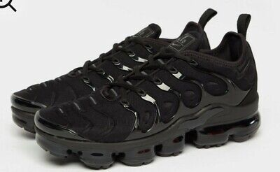 Brand New Mens Nike Air Vapormax Plus Tripple Black  Trainers Uk Size 9