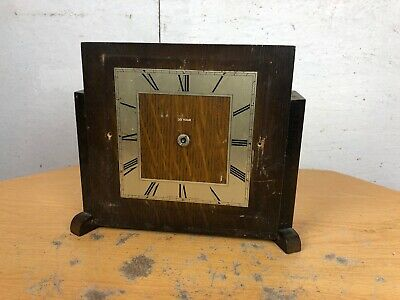 Vintage 1930's Wooden Art Deco Style Mantle Piece Wind Up Clock (Unsure if worki