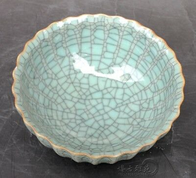 Chinese old Cracked glaze guan Offcial kiln Porcelain bowl