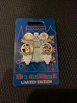 New Disney Parks Pin (It's a small world - Holiday 2019) LE 3000