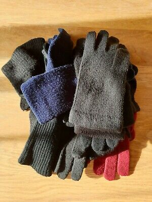 8 Pairs Ladies Knitted Gloves Black Blue and Red