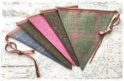 Wool tweed bunting
