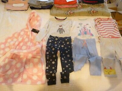 girls new dressing gown and used pyjama bundle age 3-4