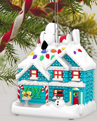 Hallmark The Peanuts Gang The Merriest House in Town Musical Ornament With Light