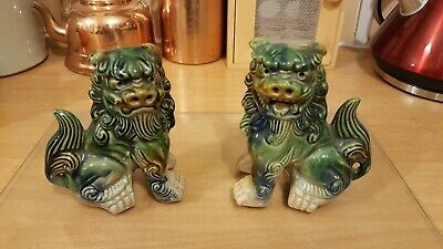 Pair of Majolica Style Vintage Porcelain Chinese Guardian Lions (Lion Dogs, Foo