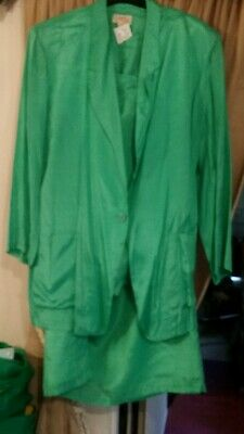 Ladies 3 piece size M 18/20 skirt suit