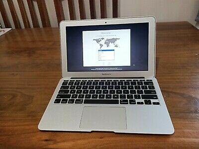 """Apple Macbook Air 11"""" 2015 - 4gb, 1.6GHz Intel core i5, with box & charger"""