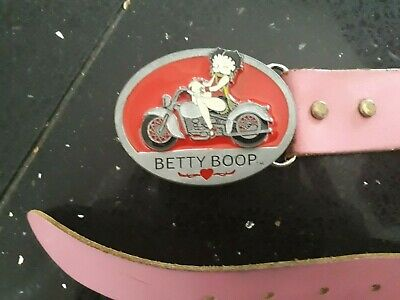 belt Betty Boop limited edition buckle with pink leatherbelt , hardly used.