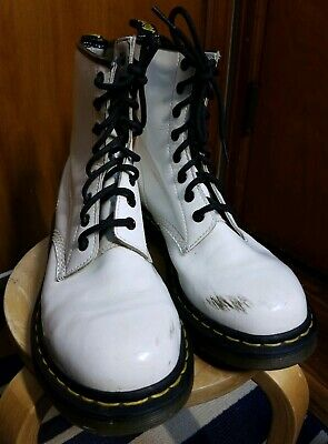 Doc Dr Martens WOMEN'S 1460 AirWair 8-Eye SMOOTH WHITE LEATHER Boots US Ladies 9