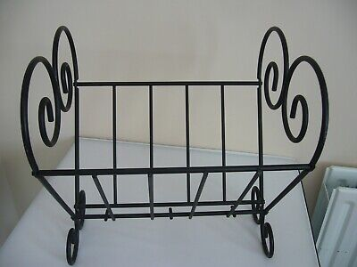Black Metal Magazine Rack - with Heart Shapes Ends