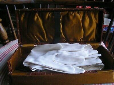 Glove Box With 2 Pairs Of Vintage Gloves (,One Roger Fare)-Good Condition