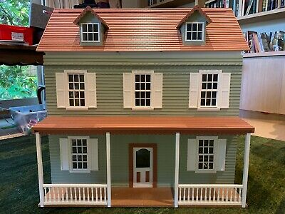 Dolls House - Victorian Style Wooden