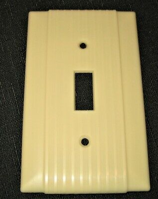 Vintage Ribbed Ivory Bakelite Hubell / Uniline Single Switch Plate Excellent