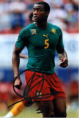 SEBASTIEN BASSONG IN CAMEROON KIT HAND SIGNED 6 x 4 COLOUR PHOTOGRAPH