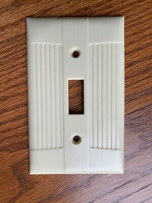Vintage Used Tuxedo Ivory Eagle brand Ribbed Single Light Switch Cover Plate