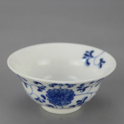 China antique Porcelain hand painted QING QIANLONG blue & white flower bowl cup