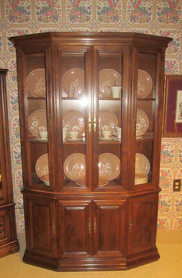 Ethan Allen Classic Manor Maple Faceted Full Glass China Cabinet Hutch 15 6036