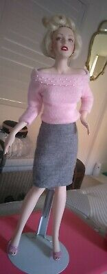 Marilyn Monroe Franklin Mint Sweater Girl Porcelain Doll.