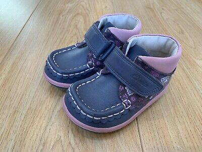 Clarks Infant Girls Alana Lyn Ankle Boots - Size 4F - Great Condition