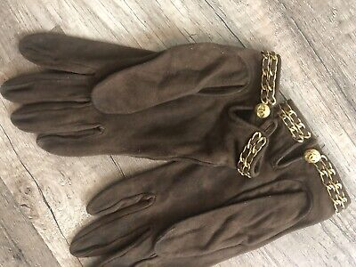 Vintage Brown Suede Vwlout CHANEL Logo Gold Chain Gloves Sz 6 1/2 Made in France