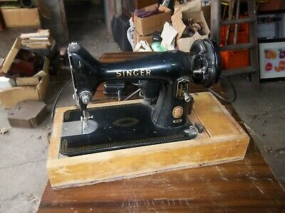 Vintage Singer Sewing Machines For Spares Or Repair.
