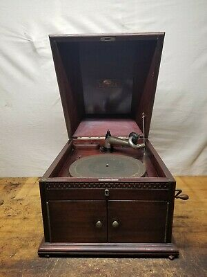Early First Version Victor Victrola VV X Table Top Phonograph Serial 1047