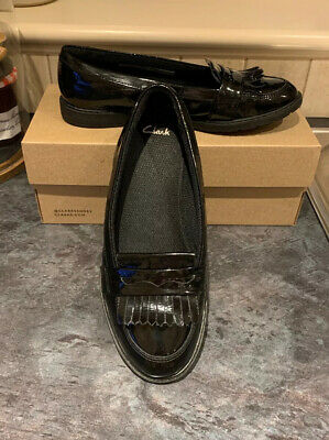 Girls Clarks Black Patent Leather Loafer Style School Shoes 4.5 G