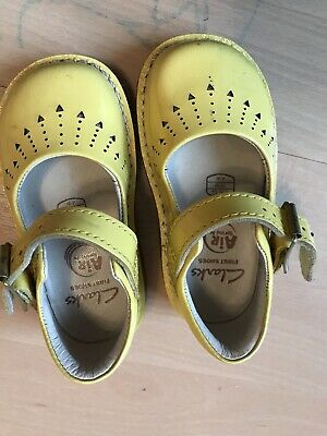 Clarks Yellow Patent Toddler Shoes Size 3.5 G Infant