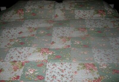 Vintage Shabby Chic Quilted Bedcover & Two Matching Pillow Cases ~ King Size