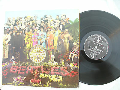 BEATLES LP SGT PEPPERS LONELY HEART CLUB BAND France export emi 7027....33rpm