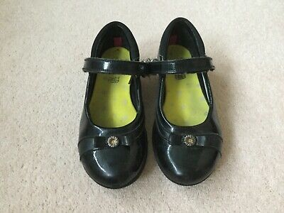 Girls black  clarks school shoes size 11 G