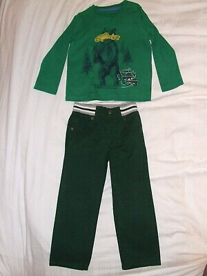 Boys Baby Gap green T shirt and green trousers age 4 years, bundle