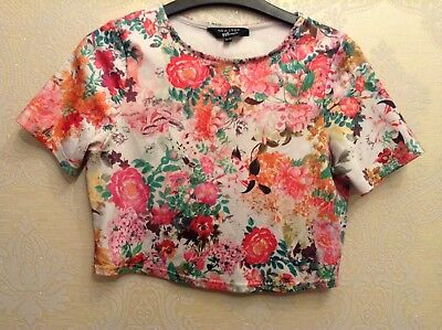 🌹 New Look🌹 Age 10-11 Floral Roses Multi Crop Top, Can Fit Adult Size 6-8