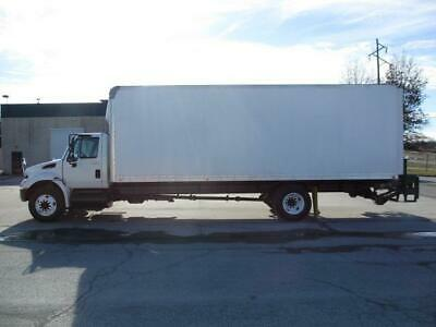 2014 International Durastar 4300 26' Box Truck - Non CDL