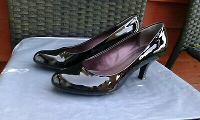 Ladies Black Patent Leather Court Shoes By Clarks Cushion Soft Size 6