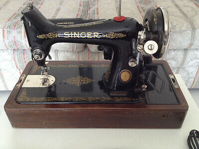 Vintage Singer Sewing Mashine From 1954  Knee Operated In Original Condition.