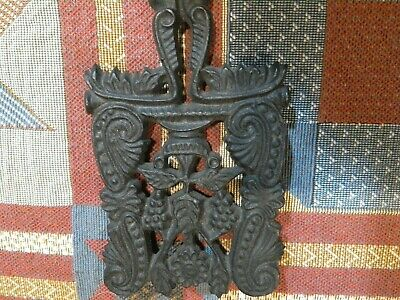 Vintage Black Cast Iron Grapes & Vines Trivet Kitchen Decor Wilton 5""