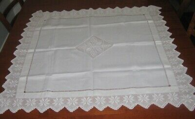 Vintage Supper Cloth ~ Filet Lace Centre & Edge ~ Cream ~ Linen ~ Square