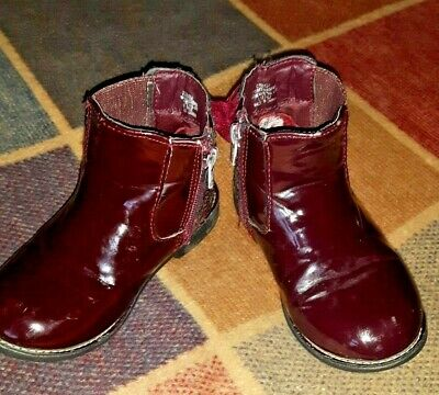 Girls burgundy patent ankle boots: sparkly with bows trim & side zip size 10 VGC