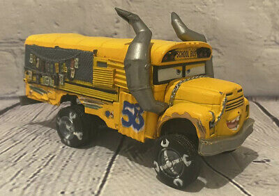DISNEY CARS DIECAST MISS FRITTER SCHOOL BUS Pixar Metal DISNEY STORE 1:43