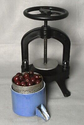 ANTIQUE 19th CENTURY CAST IRON (27LBS) FRENCH FRUIT/GRAPE PRESS .PERFECT CONDT.