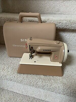 Vintage Child's Metal Toy Sewing Machine Singer 22851 with Carry Case #2