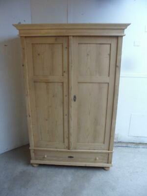 A Beautiful Antique/Old Pine Large 2 Door Knockdown Wardrobe to Wax/Paint