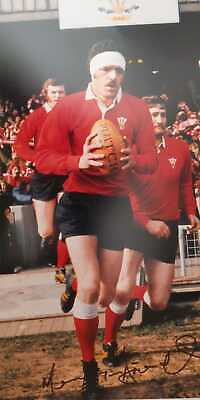 Mervyn Davies Genuine Hand Signed Wales Rugby Photo - Aftal Coa  -Superb!!