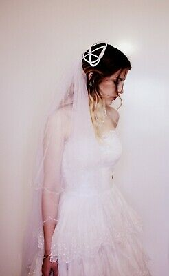 White Cage Headpiece 50s Wedding Veil Bride Satin Tulle Scalloped embroidery