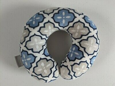 Blankets And Beyond Infant Neck Pillow