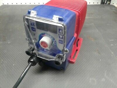 Walchem Chemical Metering Pump EWN-B16VCURA  0.9 GPH, 105 PSI  NEW (other)